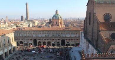 Bologna, torna la cultura dal vivo